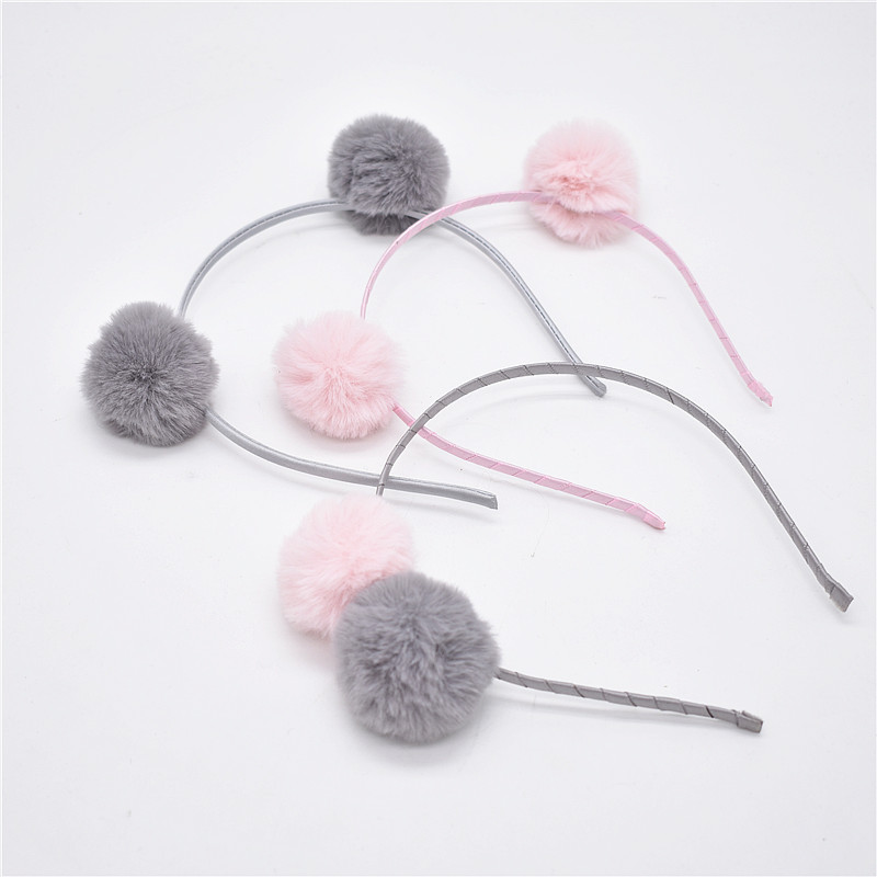 Sweet Girls Beautiful Hairband Headpieces Rabbit Ears Plush Ball Big Hair Head Hoop Hair Accessories Tiara For Children. 1pcs