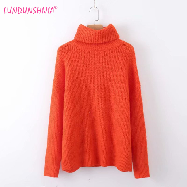 LUNDUNSHIJIA High Quality Women Turtleneck Sweater 2018 Winter Fluorescence  Orange Knitted Pullover Loose Top Female Sweater 9ba7f4abaef1