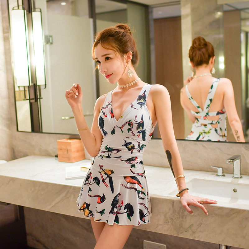 NIUMO NEW one-piece swimsuit woman Hot springs Small chest Gather Leakage back Skirt type swimsuit Swim Beach holiday niumo new one piece swimsuit woman skirt type small chest gather hot springs student swimsuit beach swim swimwear