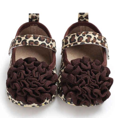Туфли с леопардовым и цветочным принтом, на высоком каблуке, для новорожденных, для маленьких мальчиков и девочек Детские Мокасины Мягкие Замшевые Moccs обувь Bebe бахрома на мягкой подошве нескользящая обувь для колыбельки