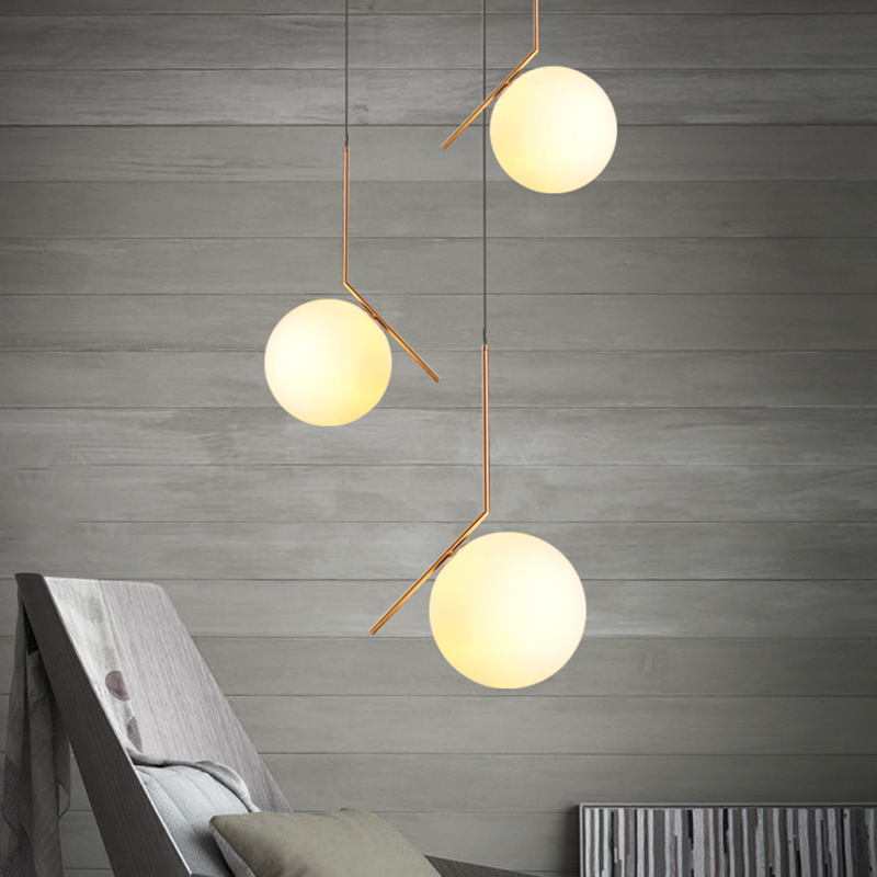 The modern style restaurant chandelier Nordic minimalist fashion clothing store room glass spherical decorative lamp managing the store