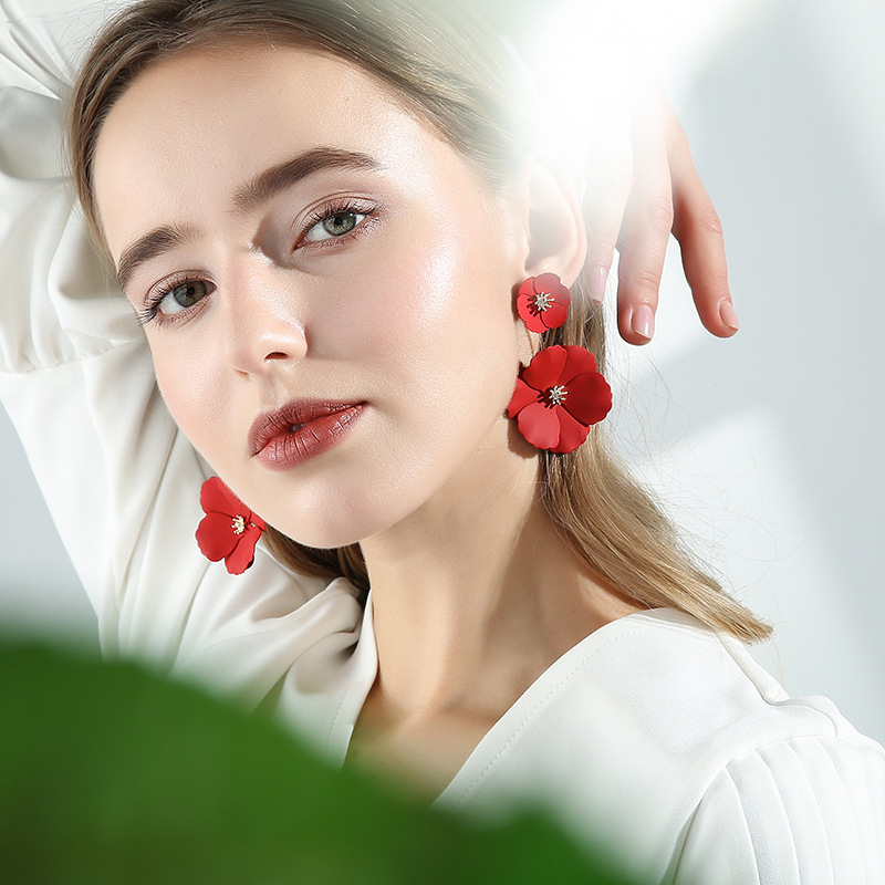 Big Red Flower Drop Earrings For Women 2019 New Fine Statement Designer Dangle Earrings Jewelry Sexy Party Long Bijoux WhiteBig Red Flower Drop Earrings For Women 2019 New Fine Statement Designer Dangle Earrings Jewelry Sexy Party Long Bijoux White