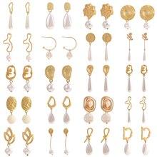 QTWINDY Pearl Earrings Gold Geometric Irregular Pearl Earrings for Women 2019 Trendy Pearl Stud Earring Bridal Prom Earrings pair of trendy faux pearl plush stud earrings for women