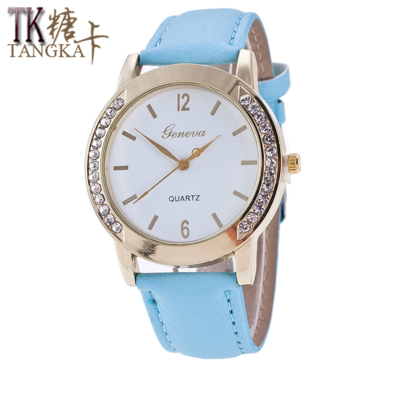 2017 Mode Kvinnor Quartz Watch Casual Crystal Läderrem Damklänning Armbandsur Relojes Mujer Women Clock