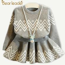 Bear Leader Girls Dress 2018 zima geometryczny wzór sukienka z długim rękawem dziewczyny Odzież Top Coat + Tutu sukienka sweter dzianin 2szt tanie tanio Poliester Długość kolana Casual Trapezowa Pełne Geometryczne Regularne O-Neck AZ638 Pasuje do rozmiaru Weź swój normalny rozmiar