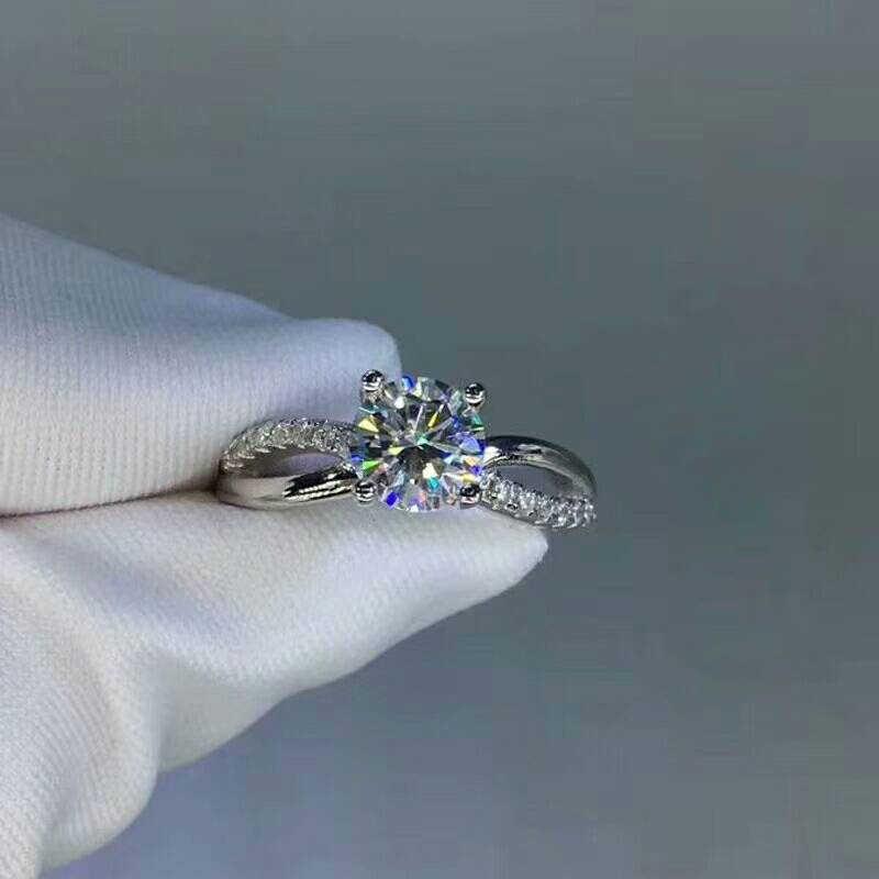 [MeiBaPJ piedra preciosa mossanita moda 1 quilate diamante anillo D Color VVS 925 plata esterlina joyería fina de la boda para las mujeres