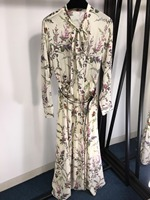 2019 Новое шелковое платье с вышивкой пчелы 0404