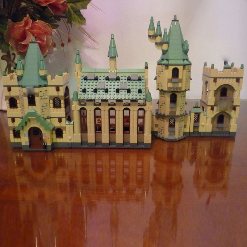 Lepine 16030 1340pcs the Hogwarts Castle Set Movie 4842 Building Blocks Bricks Children Christmas Gift Toy Compatible LegoINGlys alloy badge movie product children gift decoration 8pcs set