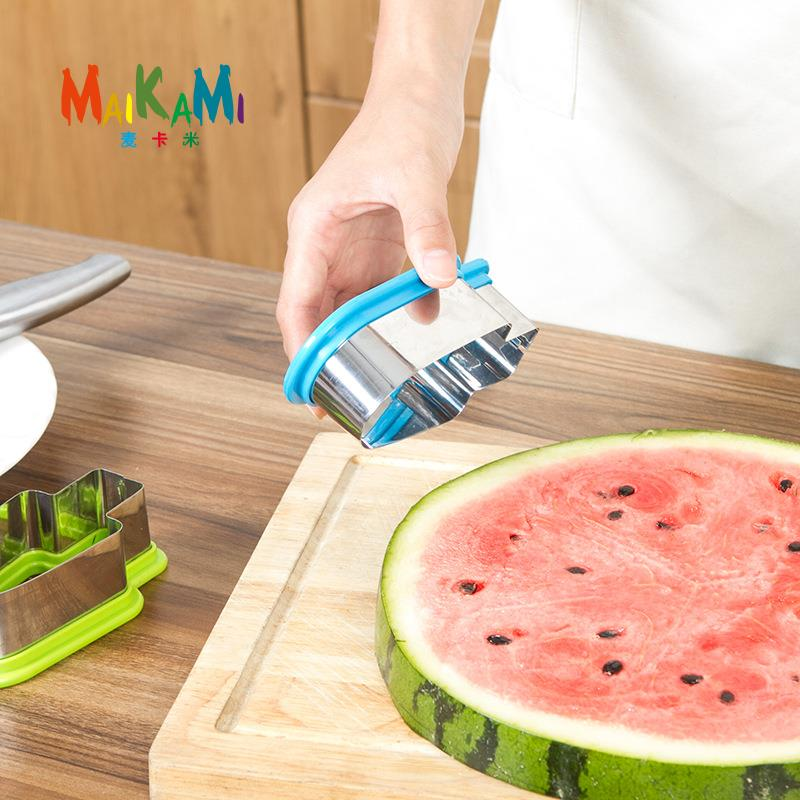 1pcs Ice Cream Shape Watermelon Slice Model Fruit Knife Fruit Cutter Slicer Cooking Tool Gadgets Home Kitchen Helper  форма для нарезки арбуза
