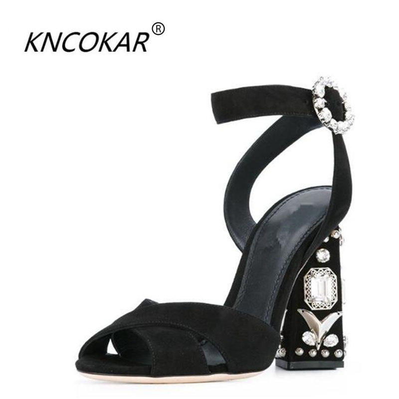 The new spring and summer 2017 fashion chunky heels sexy comfortable word buckle peep-toe leather shoes cross strap sandals diam