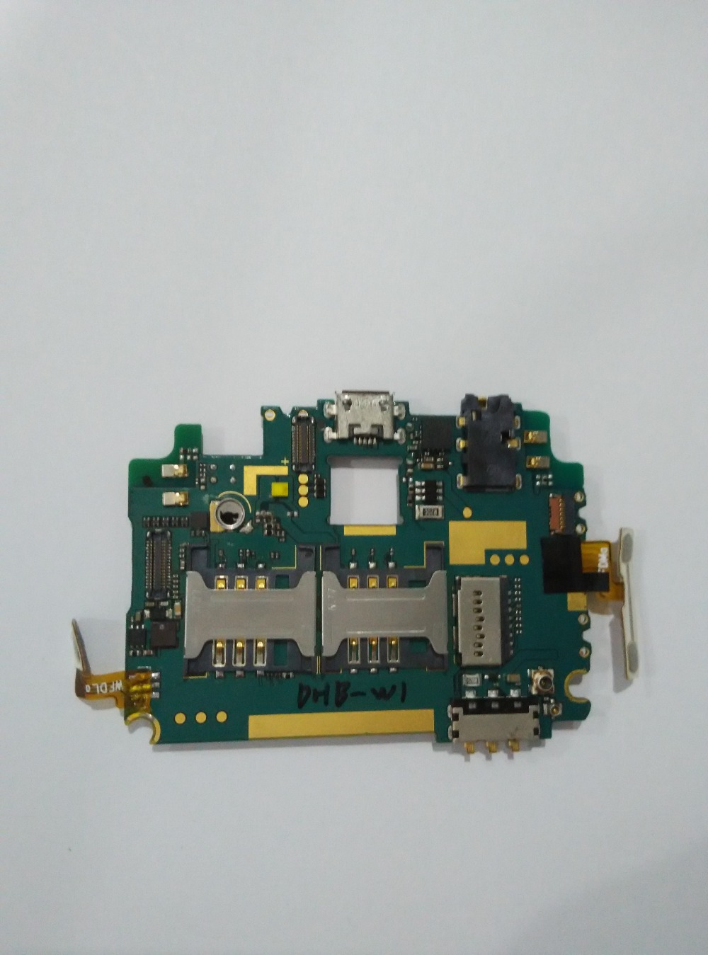 Used+ mainboard motherboard for Newman NM890 5.0inch 3G WCDMA Android 4.1.2 Mtk6589 Quad Core Rom 1GB+Rom 4GB 1280*720PUsed+ mainboard motherboard for Newman NM890 5.0inch 3G WCDMA Android 4.1.2 Mtk6589 Quad Core Rom 1GB+Rom 4GB 1280*720P