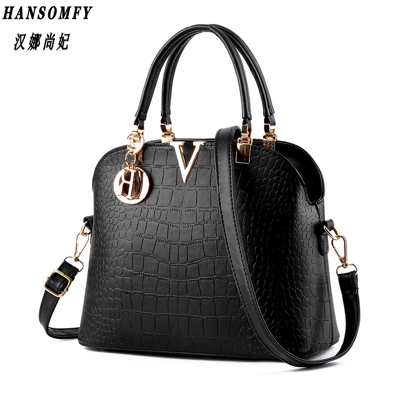 100% Genuine leather Women handbags 2017 New package female stereotypes sweet lady fashion handbag Messenger shoulder bag delin foreign female bag bag handbag shoulder aslant crocodile grain lady handbags package a undertakes the new trend