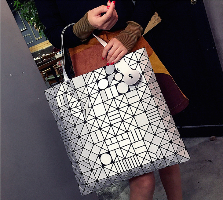 Japanese Bao Women Large Capacity Bag Laser Sac Tote Bags Geometry Quilted Shoulder Bag Fold Over