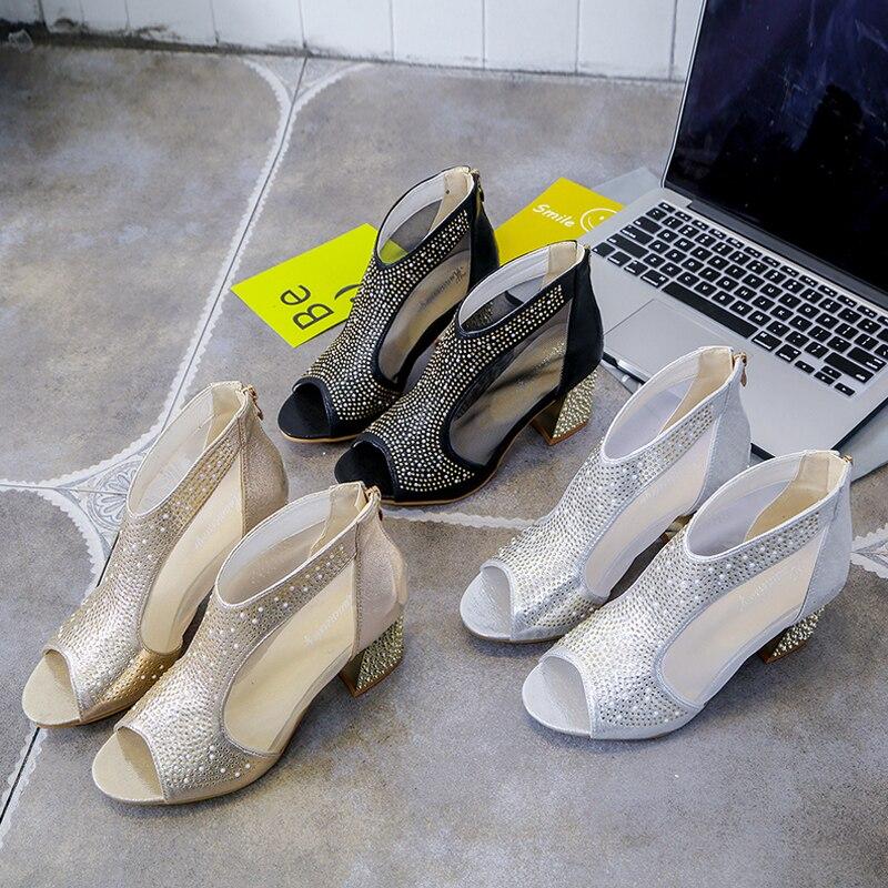 2018 Neue Mode Frauen Sandalen Bling 7 Cm High Heels Diamant Platz Ferse Sommer Frauen Schuhe Hochzeit Schuhe Leder Sandalia Mujer