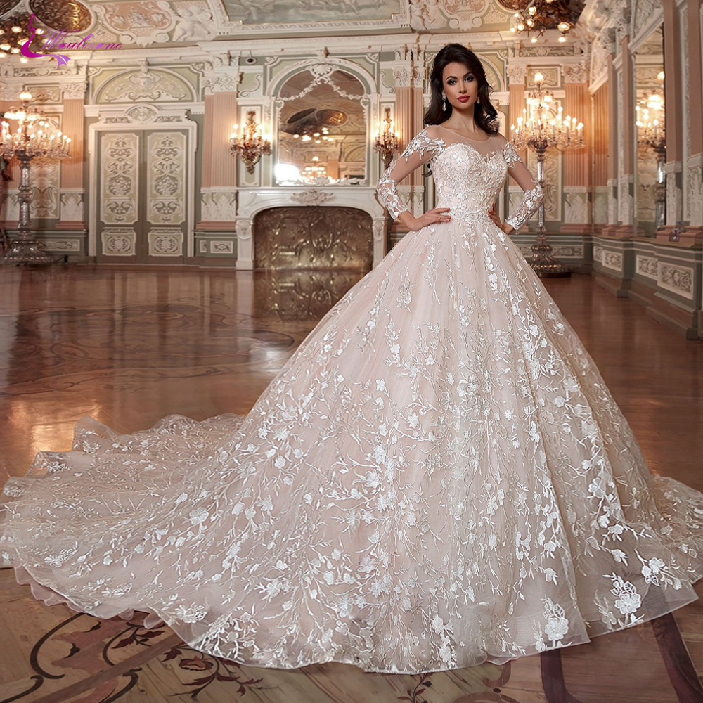Waulizane Ball Gown Wedding Dress With Elegant Lace Appliques Princess Type