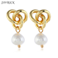 Fashion Simple Hollow Women Earrings Twisted Metal Earring Artificial Pearls Elegant Charm Lady Ear Jewelry