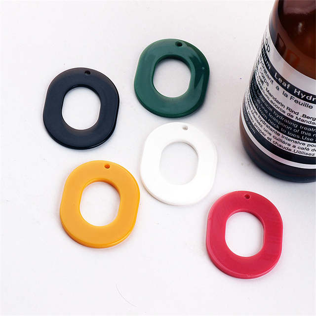Wholesale 50pcs 40 30mm Pbc Resin Plastic Acrylic Hollow Out Oval