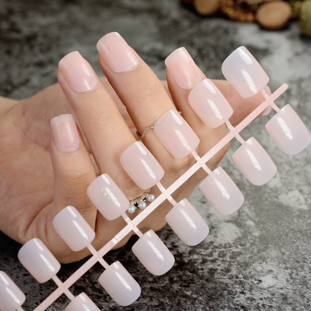 Medium Square Fake Nails Summer Clear Nude False Nails Tips Cute ...