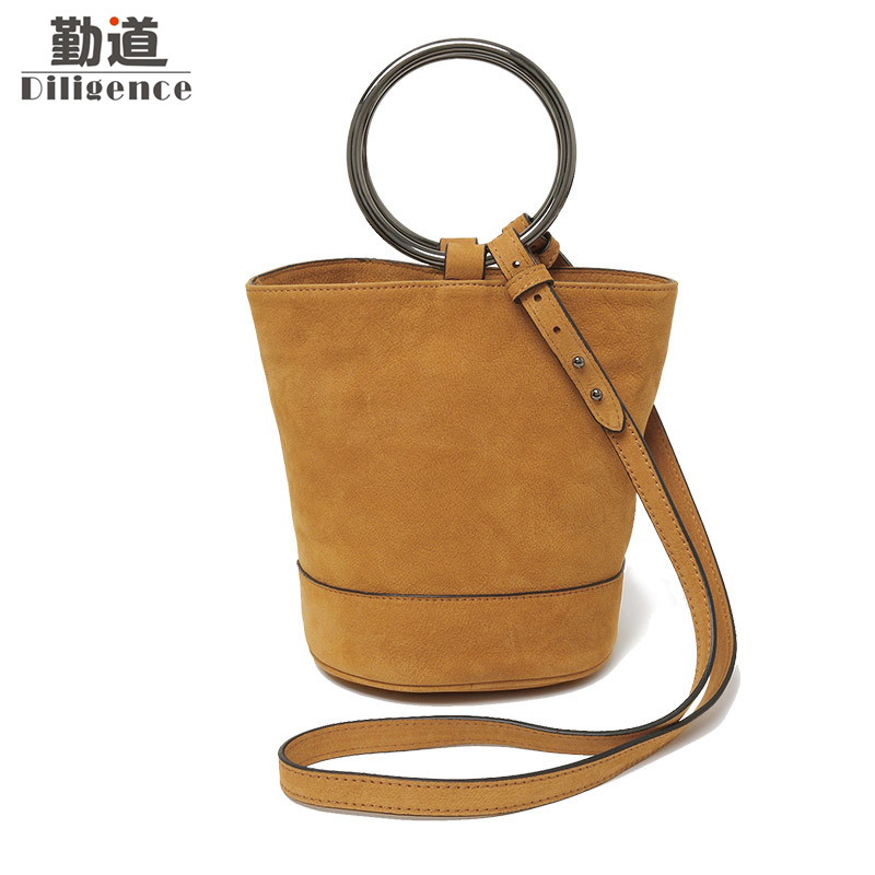купить Handbag Women Genuine Leather Suede Round Metal Handle Bucket Bags Vintage Shoulder Ladies Fashion 2017 Crossbody Messenger Bag по цене 3815.34 рублей