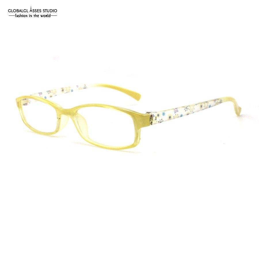 Luz Ultra Pequeno Forma Oval Plástico Lente Prescrição Óculos de Armação De  Titânio Mulheres Amarelo Do Floco De Neve Padrão Templo WD003 59fcc158d3