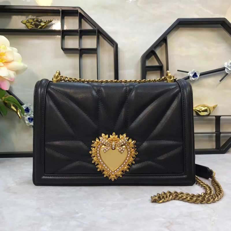 Ladies Metal Love Heart Pattern Chain Shoulder Crossbody Bags High Quality Women Leather Handbags Clutch Evening Bags Louis BagsLadies Metal Love Heart Pattern Chain Shoulder Crossbody Bags High Quality Women Leather Handbags Clutch Evening Bags Louis Bags