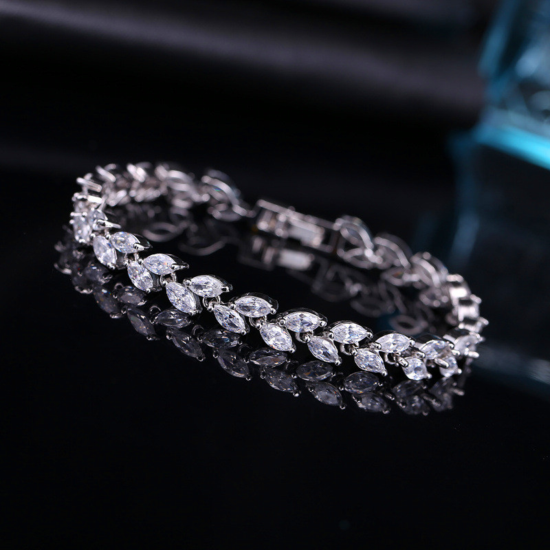 2018 New White/Blue/Red AAA Zircon Bracelet High Quality Cute 18KT Gold Filled Jewelry Vintage Wedding Leaf Bracelets For Women