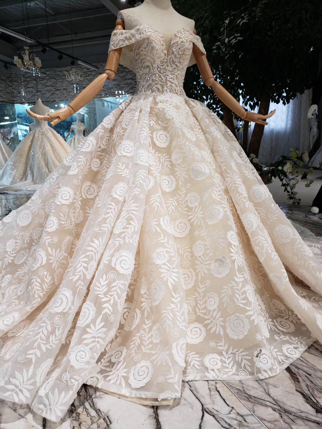 Luxury High Neck Wedding Dress Top Quality Vestido De Noiva Crystals Beads Full Sleeve 3d Lace Beaded Ball Gown Bridal Gowns