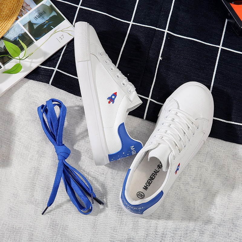 3b6efc2c7 M. de um MODO GERAL As Sapatilhas Das Mulheres com Bonito Avião Dois Cordões  De Couro Sapatos Sapatos Brancos do sexo feminino Casual 2018 Primavera ...