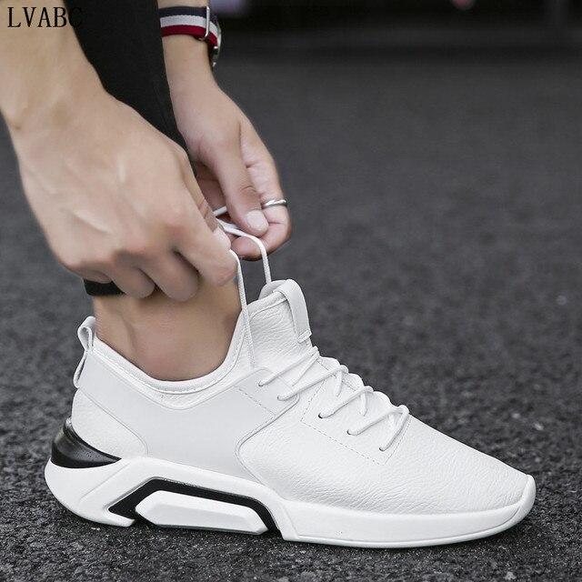 2018 מגמת הקיץ של נעליים לבנות נעלי גופר מוגברת של גברים לבנים ללבוש החלקה לנשימה