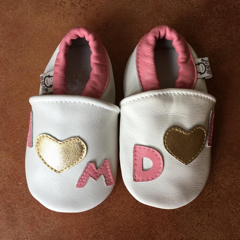 Valódi bőr Bőrcipő Lovely kisgyermek első gyaloglói kerek toe lakások puha baba papucs cipő I Love M / D chinelo infantil