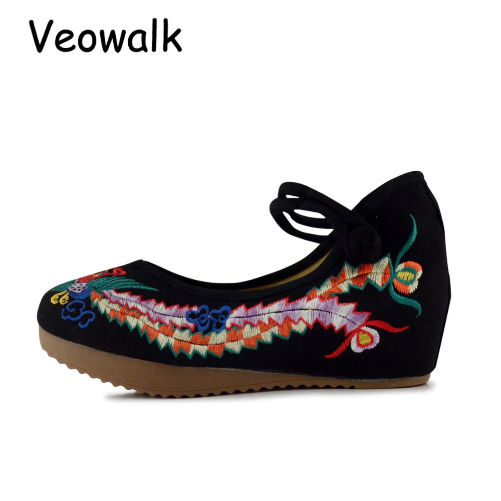 Veowalk Chinese Style Women Canvas 5cm Wedges Shoes Ladies Cotton Phonix Embroidered Low Heel Platforms Zapatos Mujer Black Red vintage flats shoes women casual cotton peacock embroidered cloth flat ankle buckles ladies canvas platforms zapatos mujer