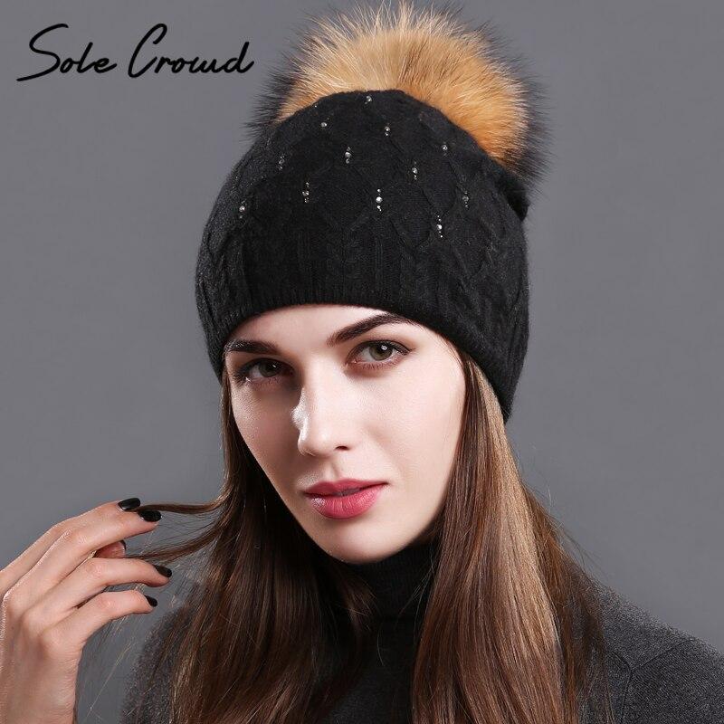 [Único] multitud cubierta doble lana de punto rhinestones sombreros mujeres real natural del mapache pompones cap gorros mujer invierno sombrero caliente