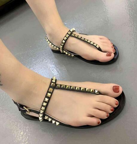 BONJEAN Fashion Rivets Studded Leather Sandal for Woman Comfortable Flip flops Shoes Ladies Sexy Flat Gladiator Sandal BlackBONJEAN Fashion Rivets Studded Leather Sandal for Woman Comfortable Flip flops Shoes Ladies Sexy Flat Gladiator Sandal Black