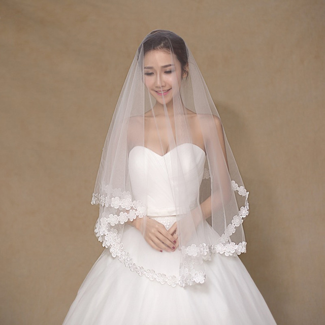 2017 In Stock Flower Lace Edge Bridal Veil 1.5M Length Wholesale Cheap Wedding Veil For Wedding Store