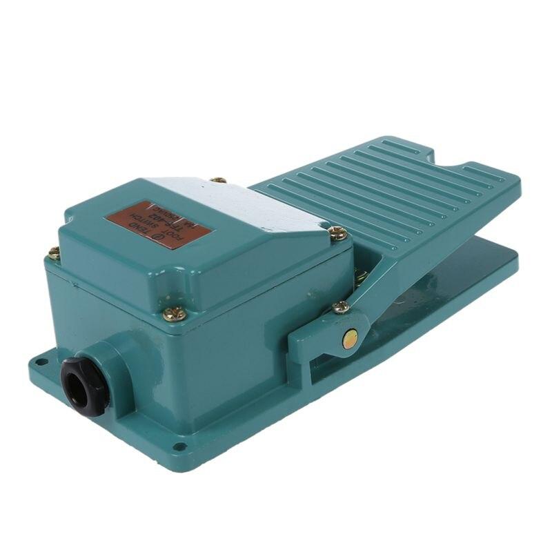 AC 250V 15A 1NO 1NC interrupteur à pédale momentané avec presse-étoupe