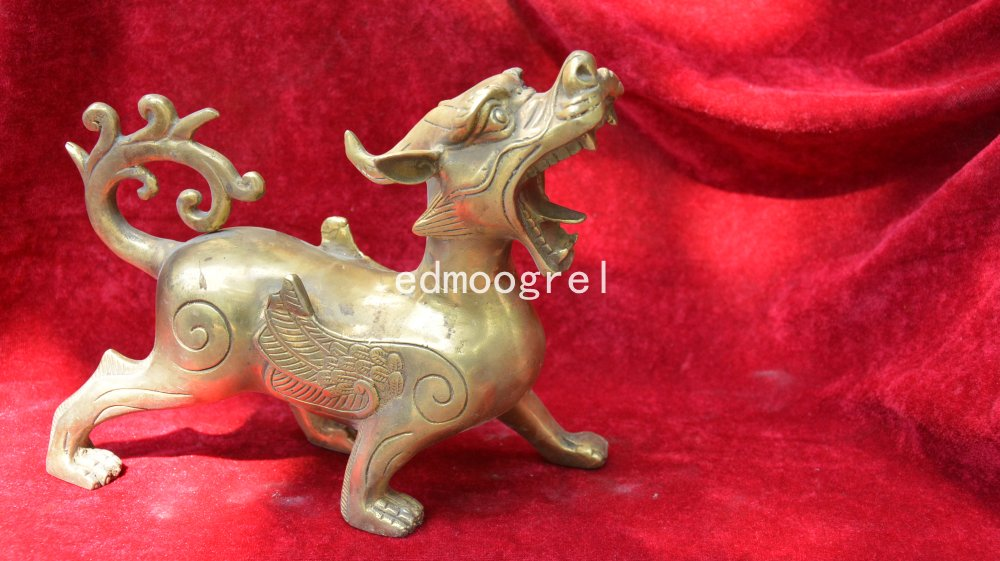 Old QingDyansty Tibet copper fly dragon statue,best collection&adornment,free shippingOld QingDyansty Tibet copper fly dragon statue,best collection&adornment,free shipping