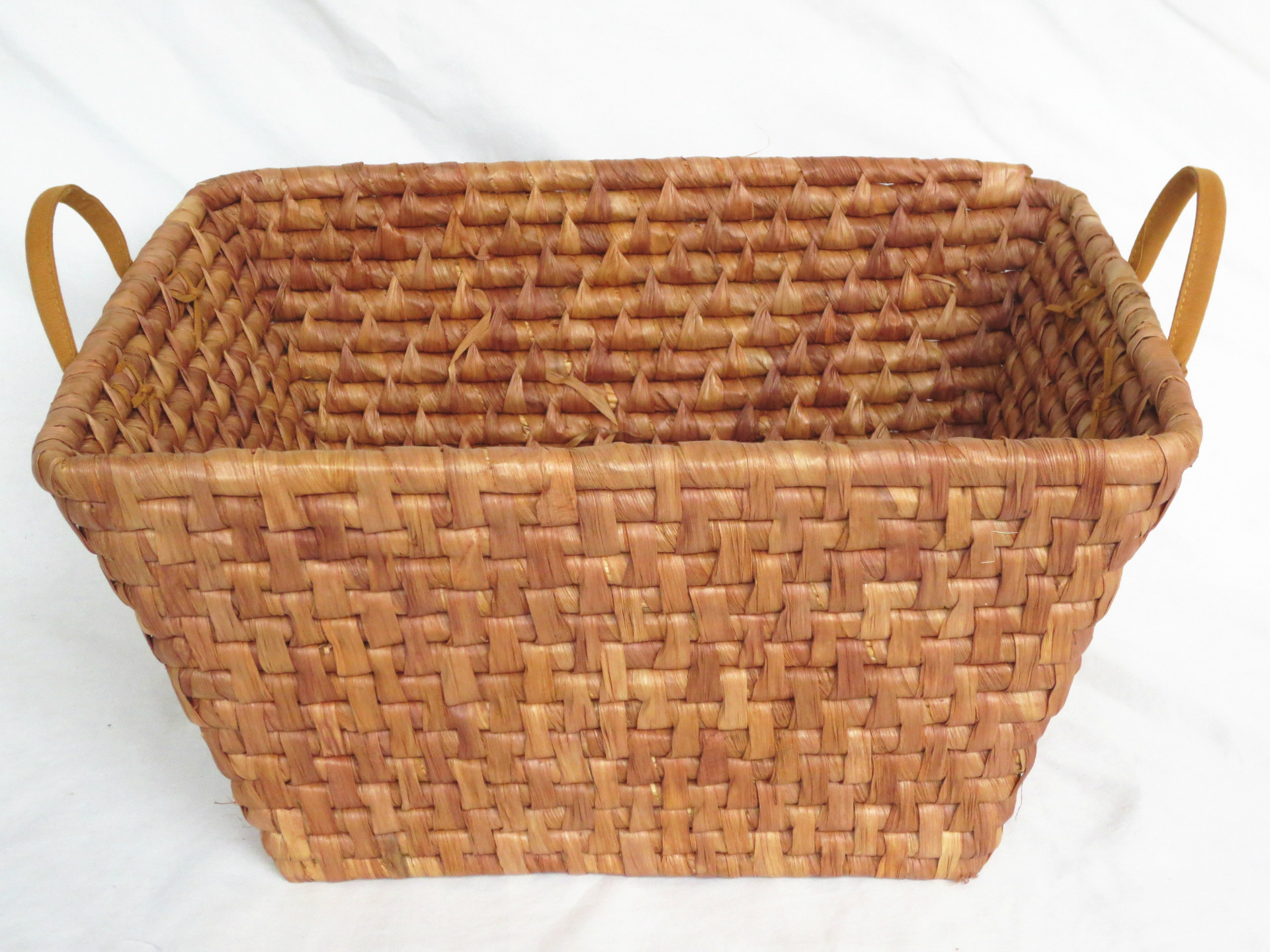 Aliexpress.com : Buy Q Guangzhou IEE Corn leaves woven straw storage basket  storage basket towel basket toy storage basket willow storage box from  Reliable ...