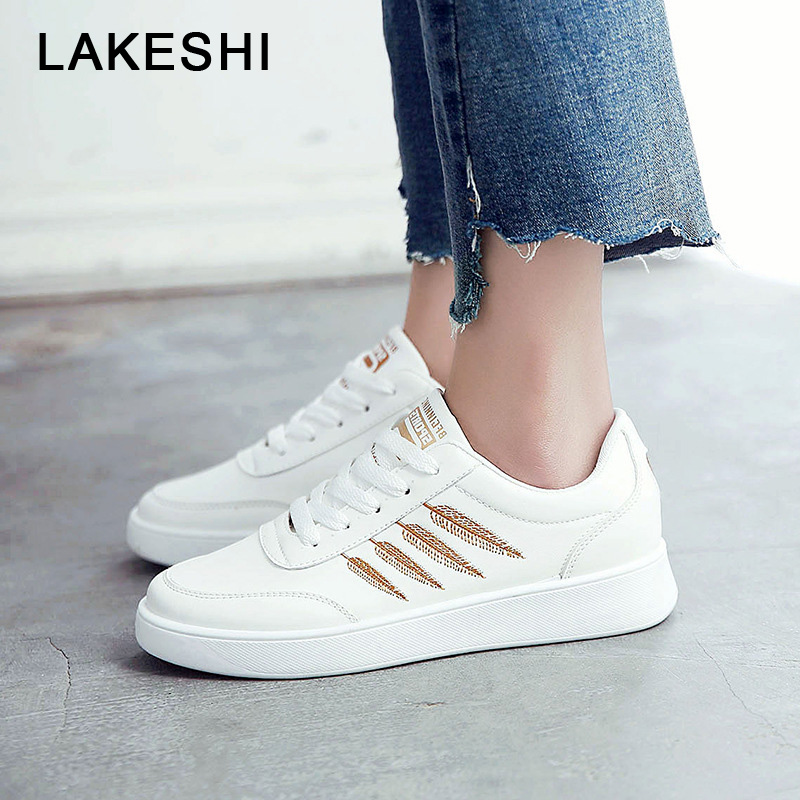 LAKESHI Fashion Women Sneakers Embroidery Women Causal Shoes White Summer Female Sneakers 2018 Lace Up Comfortable Ladies Shoes