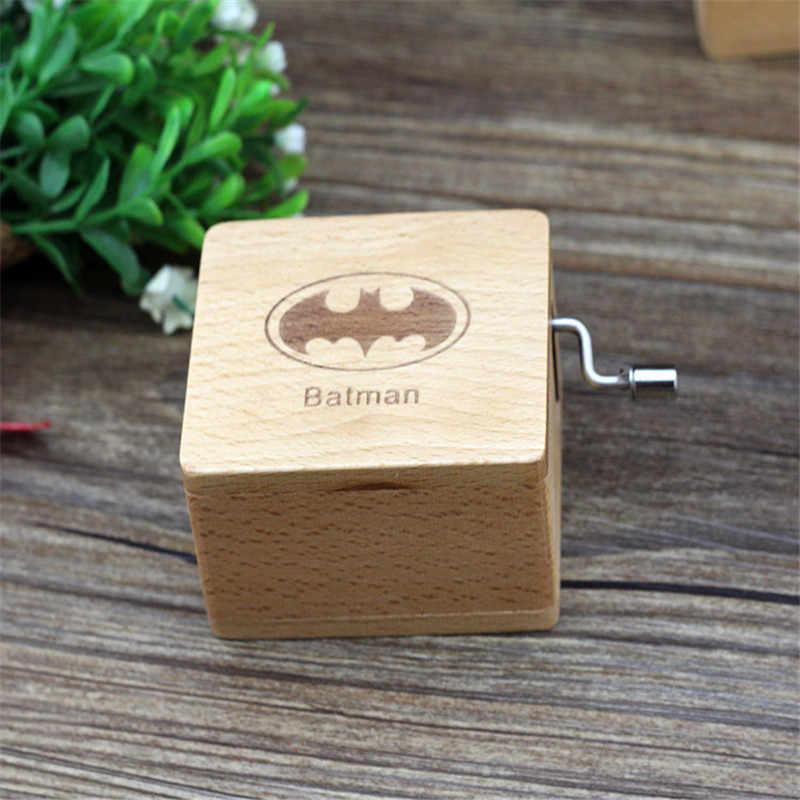 האנונימיות באטמן נגד סופרמן עץ יד כננת סופרמן מוסיקה תיבת חג המולד מתנת יום הולדת מתנות מפלגת אספקה