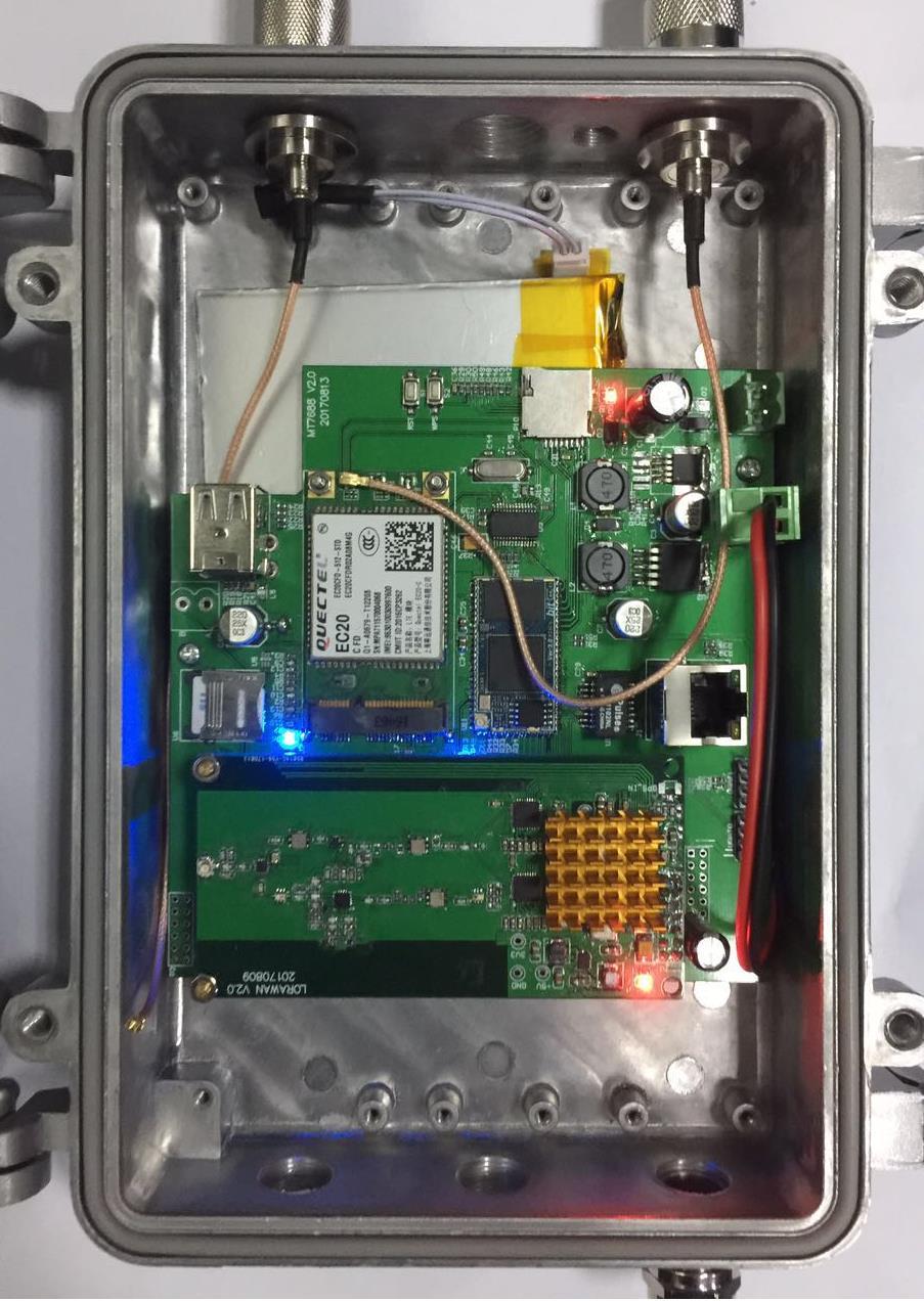 Passerelle LORA WIFI 4G LAN trois modes réseau Sx1301