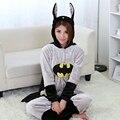 Детектив Комиксы Super Hero Бэтмен Целом Пижамы Взрослых Лени Пижамы Плюшевые Kigurumi Пижамы Цельный Мужская Sleepcoat Косплей