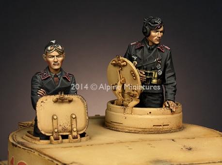 1:35 Panzer Commander Set (2 Figures) 1 35 wss panzer commander set