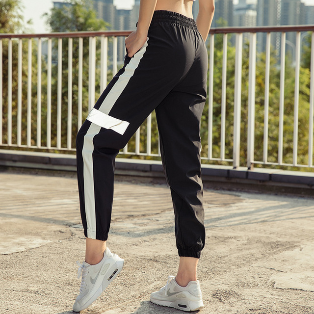 Women's Sports Running Fitness Yoga Pant Loose Trousers Quick-drying Breathable Reflective Jogger Pants 2018 New 3