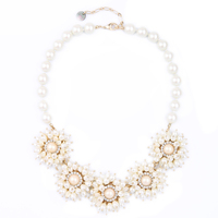 Gorgeous Bridal Jewelry White Flower Necklace Elegant Simulated Pearl Necklace