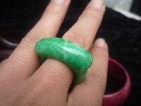 Dragón de jade Natural de jade BanZhi anillo anillo de asiento de hierro tire Yang verde verde seco