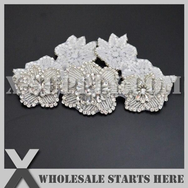 (25 teile/los) Braut Kristall Strassapplikationen Eisen Auf Perlen Patch für Hochzeitskleid, X1 RAT2389-in Aufnäher aus Heim und Garten bei  Gruppe 1