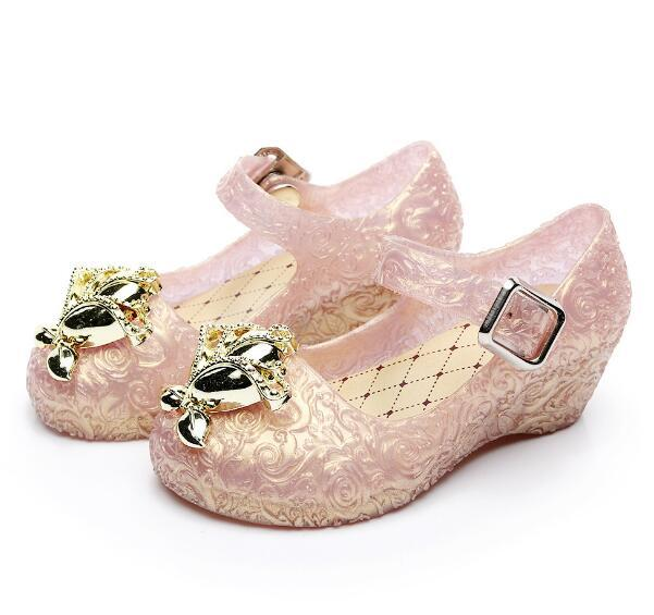 3815f65154ef19 2019 New style kids girls shoes jelly sandals with Low heeled for baby  children unicorn Metal