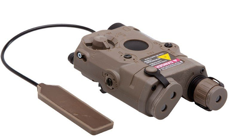 BATTLEAXE AN/PEQ-15 LAM блок ж/Встроенный лазер и фонарик(Черный DE - Цвет: Коричневый