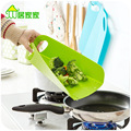 Kitchen cutting board folding skid plate dishes, household hanging plastic cutting board