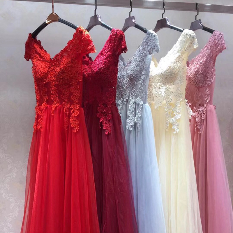 Sexy V Neck Lace Long   Prom     Dresses   2019 New Tulle Beaded Appliques Princess Ball Gown Vintage Evening   Dress   Vestido De Festa